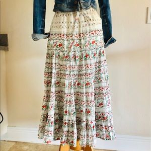 Maxi skirt with crochet and flowers size M